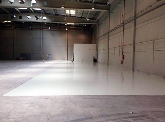 Suelo nave industrial riba roja pinturas blatem for Pintura para suelos de garaje